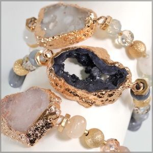 Jewelry - ✨NEW✨ Electroplated Natural Stone Bracelet - White